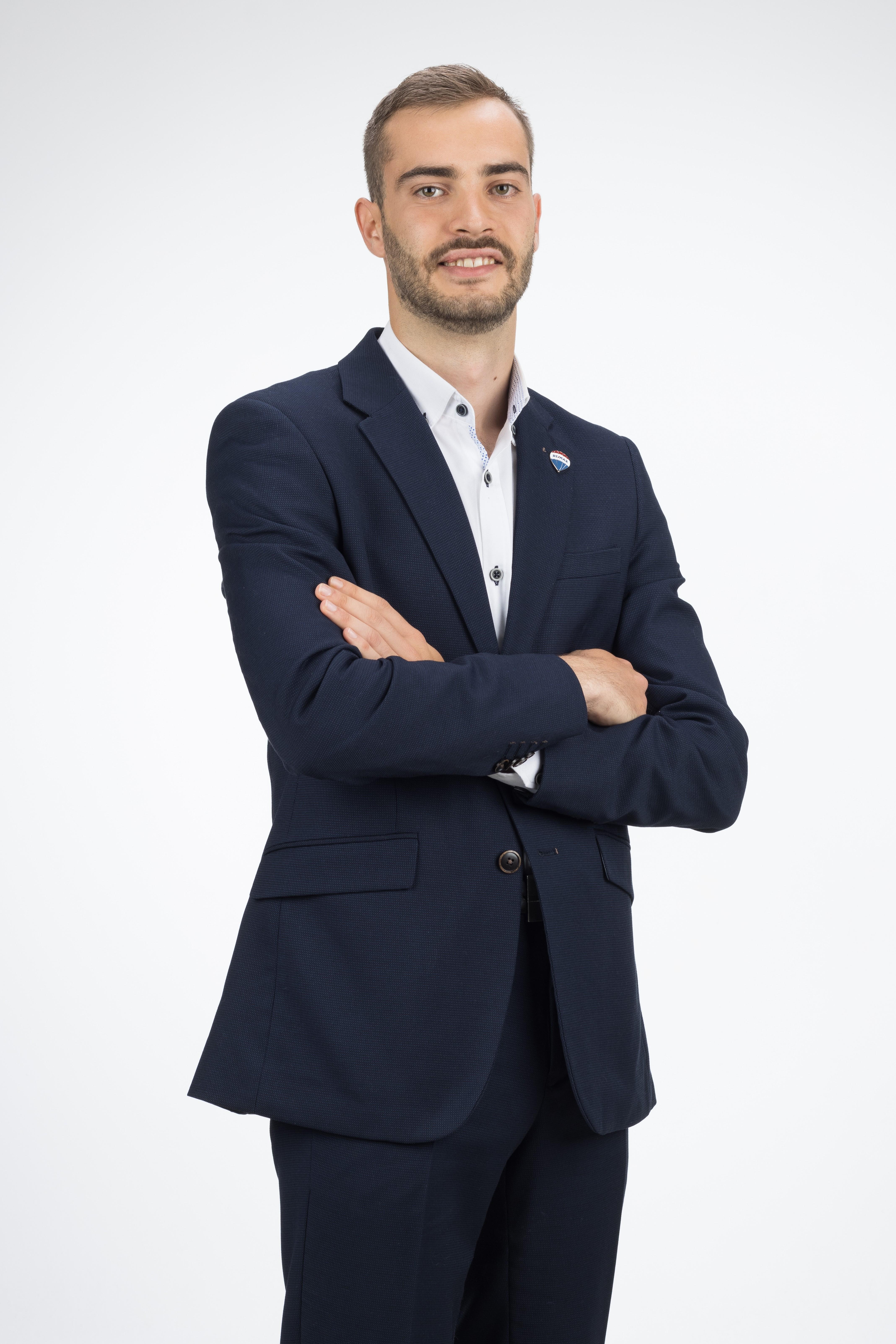 Adrian  Gonzalez Trilla