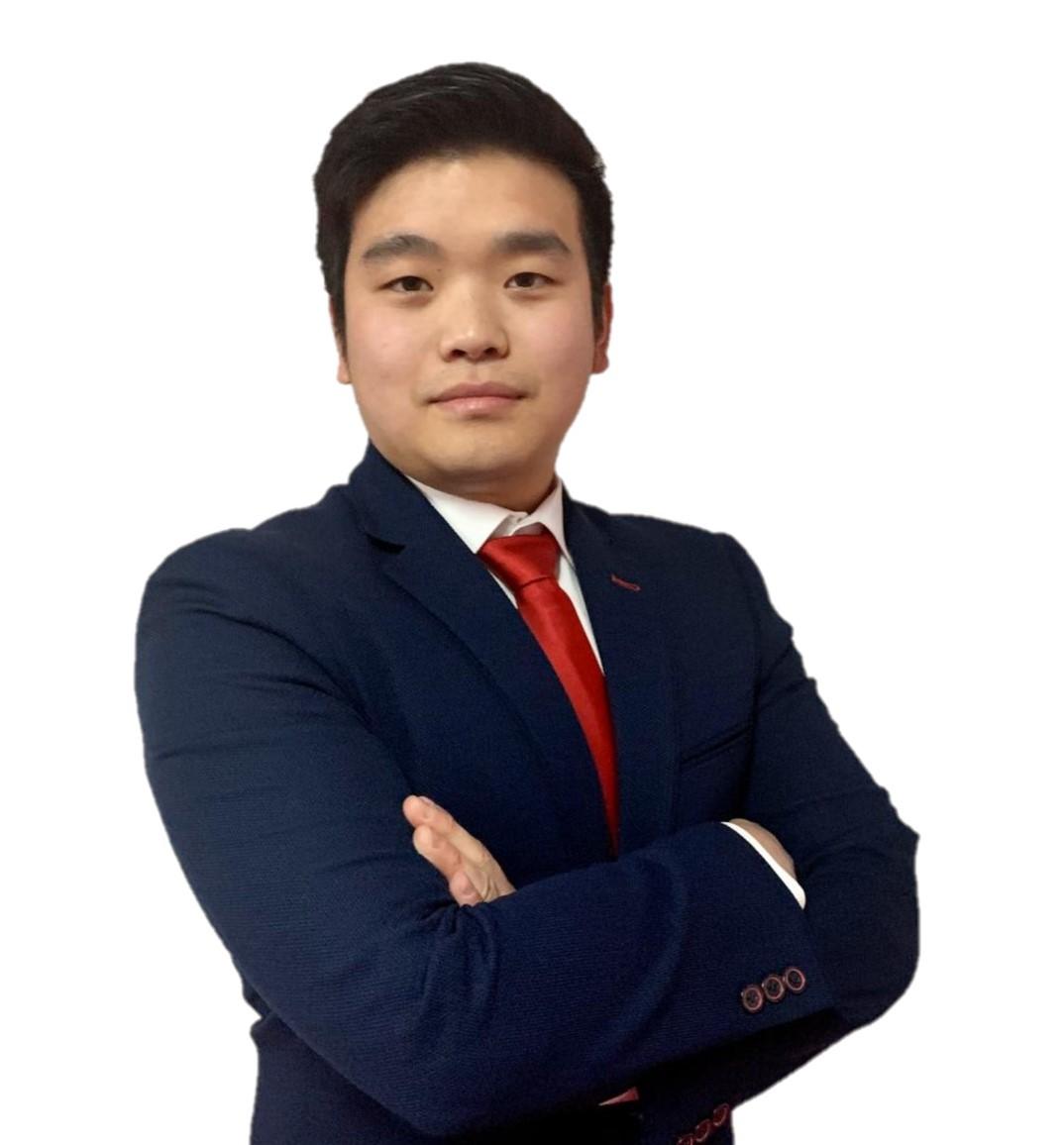 Alvaro Zhou